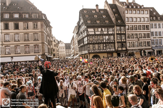 Zombie walk de strasbourg place broglie strasbourg for Salon de musique strasbourg